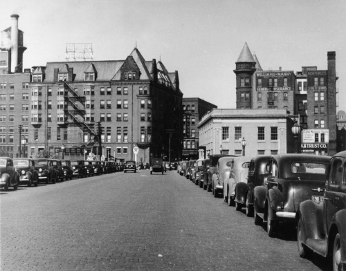 The Brown Building and the Nelson Hotel seen from the ChestnutStreet bridge in the 1940s.