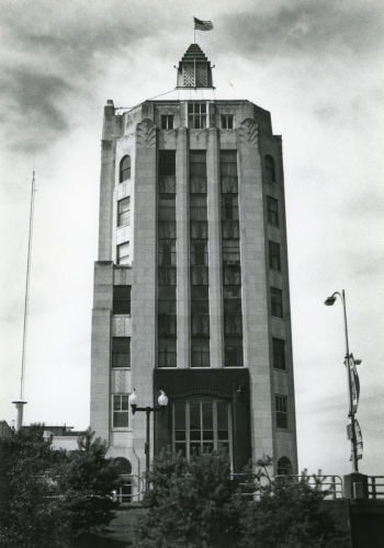 The news tower and architectural details designed by Barloga, built between 1929-1932.