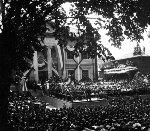 President Theodore Roosevelt addresses the crowd at the dedication of Memorial Hall in 1903. Photo courtesy of Veterans Memorial Hall.